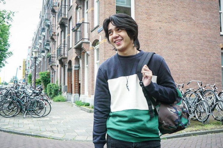 Cover Boy Hingga Punya Clothing Line, Ini Perjalanan Karier Arbani Yasiz