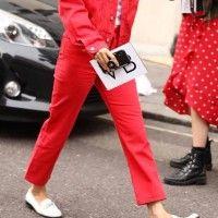 Must-Have Pants: Coloured Denim Untuk Gaya yang Lebih Seru