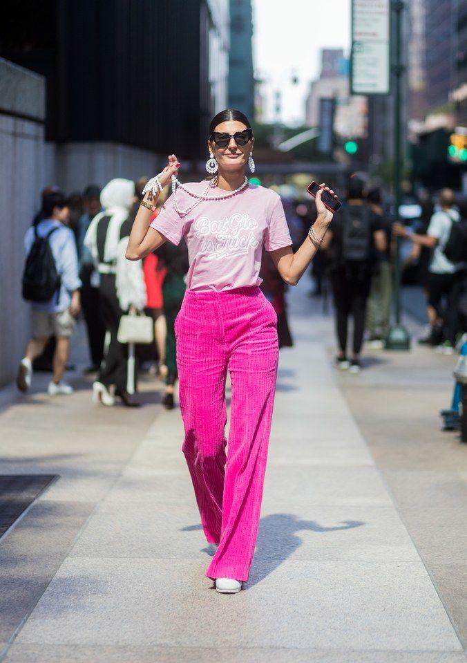 Benci Warna Pink? Wait, 6 Tips Fashion Ini Bakal Buat Kamu Suka Warna Pink