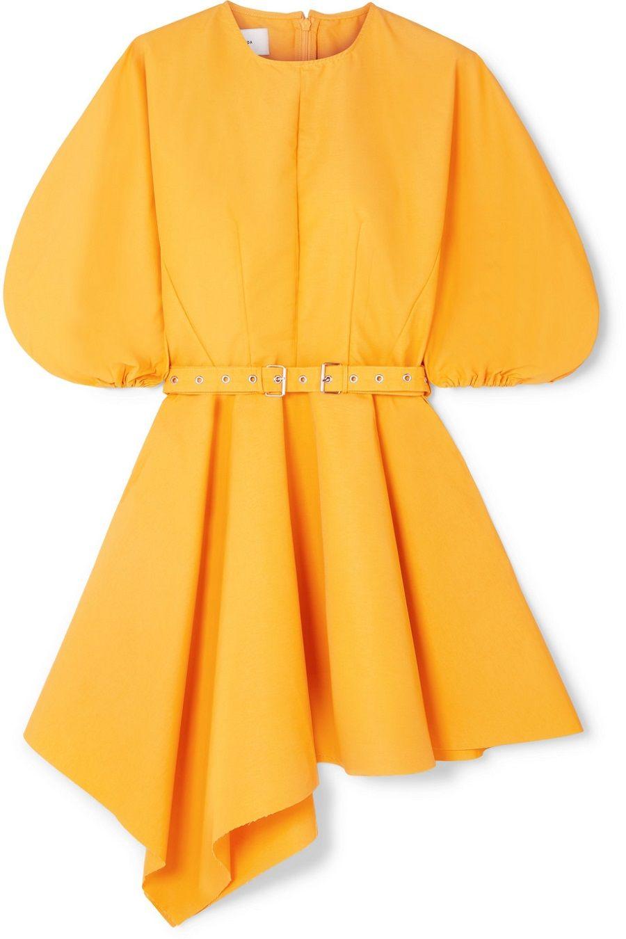 5 Dress Potongan Asimetris yang Chic Maksimal