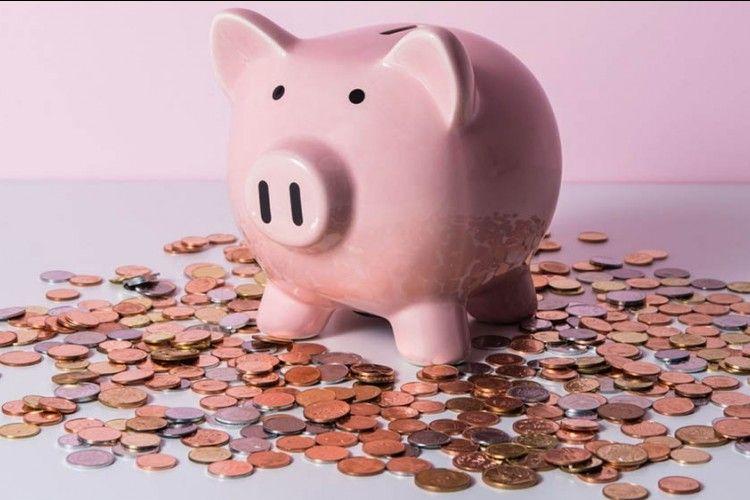 8 Pertimbangkan Saat Pasangan Ingin Meminjam Uang darimu