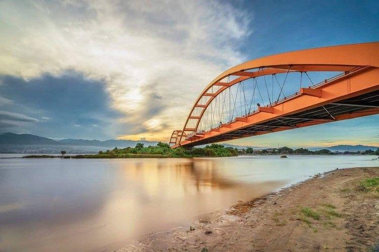 Potret Jembatan Kuning yang Kokoh Sebelum Hancur Diterjang Tsunami