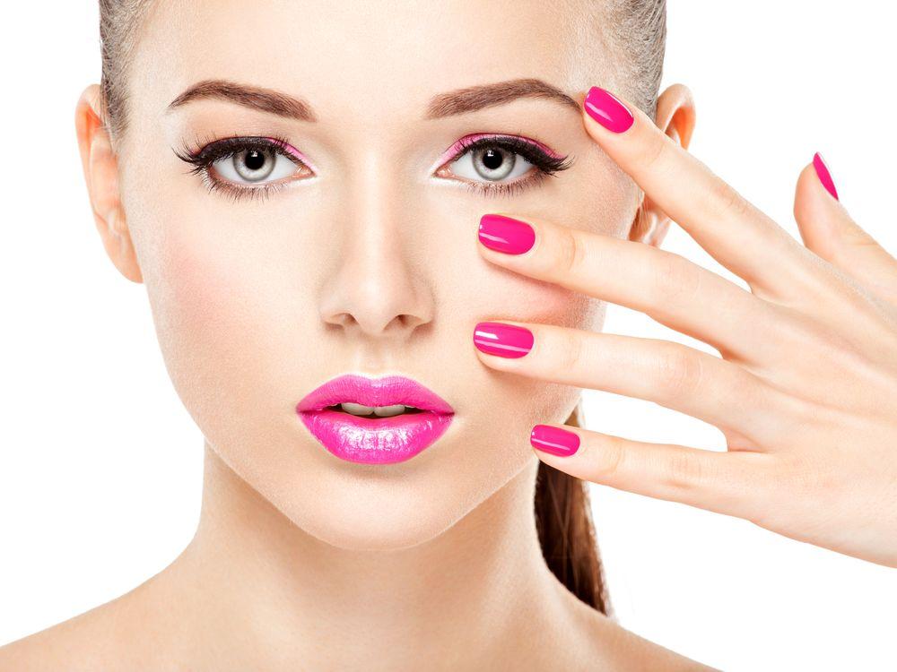 Makeup Cuma Tahan Sebentar? Tiru 5 Tips Ini Biar Tahan Lama