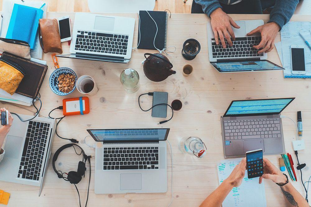 Kerja di Startup atau Perusahaan Mapan? 5 Hal Ini Bisa Meyakinkanmu