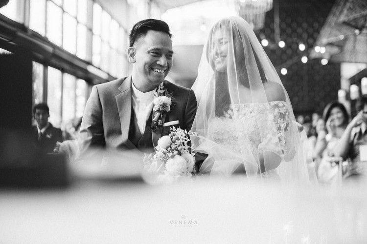 Resmi Menikah! Monita Tahalea Kenakan Gaun Sederhana nan Cantik