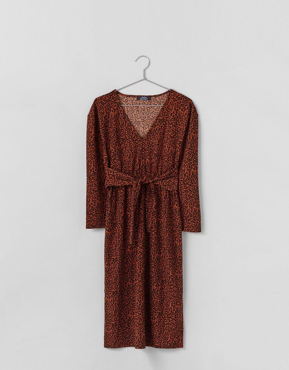 Rekomendasi Dress untuk ke Kantor di bawah 400 Ribuan