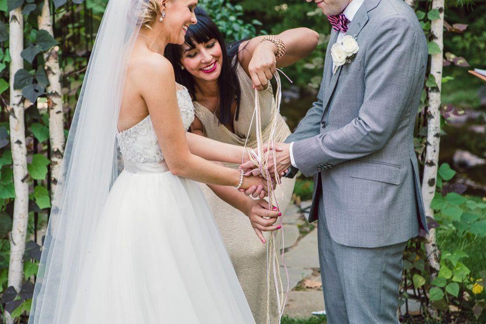 Tradisi Handfasting, Simbol Pernikahan Tradisional Eropa yang Unik
