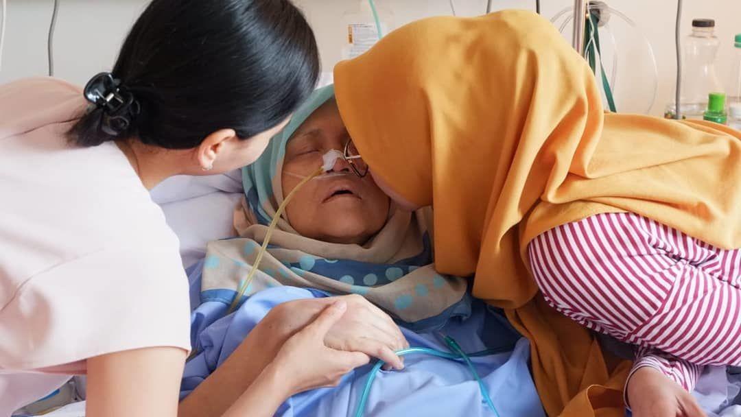 Pejuang Kanker Hingga Akhir Hayat, Ini 5 Fakta Istri Indro Warkop