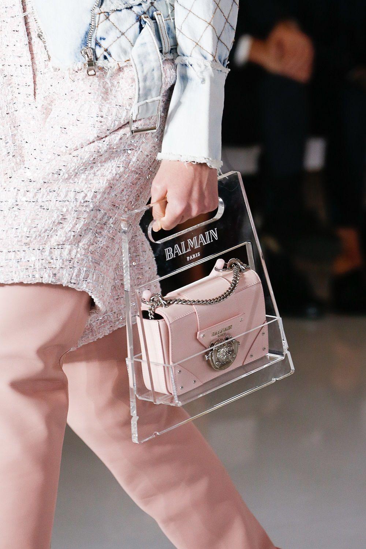 Gemas Maksimal! Kumpulan Tas Unik di Paris Fashion Week Spring 2019