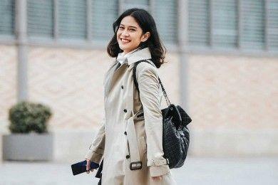 Padu Padan Outerwear A la Dian Sastro untuk Hadiri Berbagai Acara