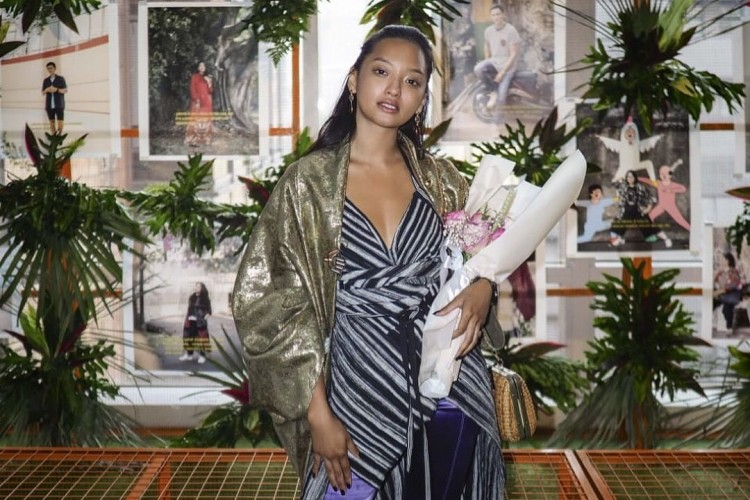 Jadi Suka Batik Setelah Lihat Gaya Etnik Kekinian a la Asmara Abigail