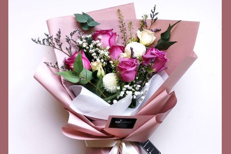 Ini Makna Tersembunyi di Balik 7 Bunga yang Diberi Pacar Kamu