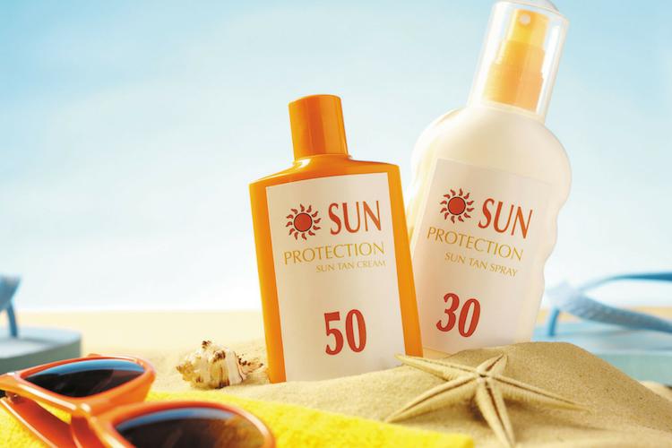 Skincare Routine yang Bisa Kamu Lakukan Ketika Liburan di Pantai