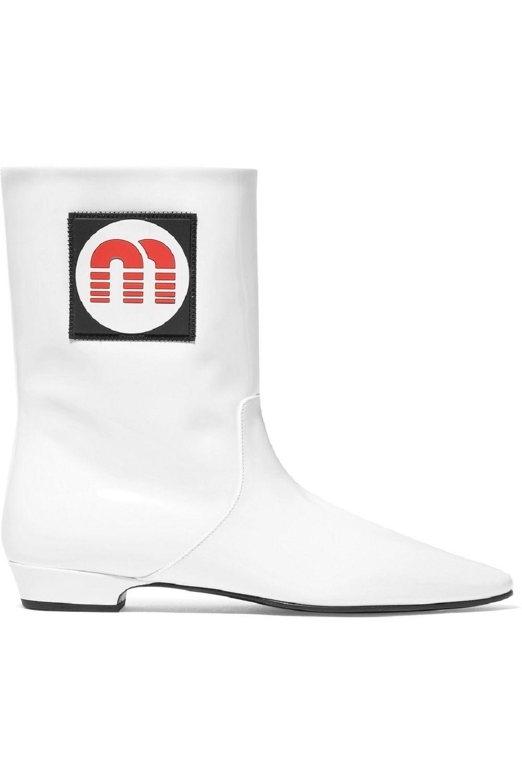 Musim Hujan Tiba, Saatnya Investasikan Sepatu Boots Baru
