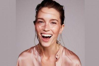 Menurut Para Ahli, Begini Cara Aman Memutihkan Gigi