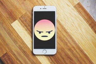 Hati-Hati, 7 Hal Sepele Ini Bisa Merusak Handphone-mu