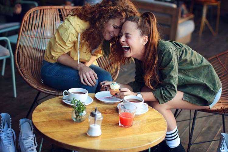 5 Alasan Mengapa Kamu Harus Curhat kepada Orang Lain