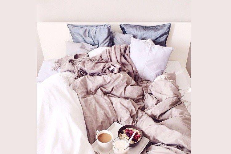 5 Alasan Kenapa Introvert Adalah Pasangan Terbaik di Tempat Tidur
