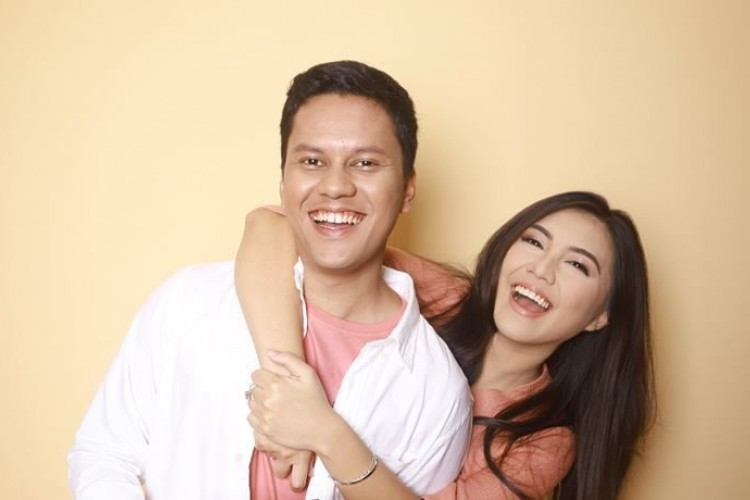 Eksis Bareng, 5 YouTuber Ini Sering Buat Vlog Bersama Pasangan
