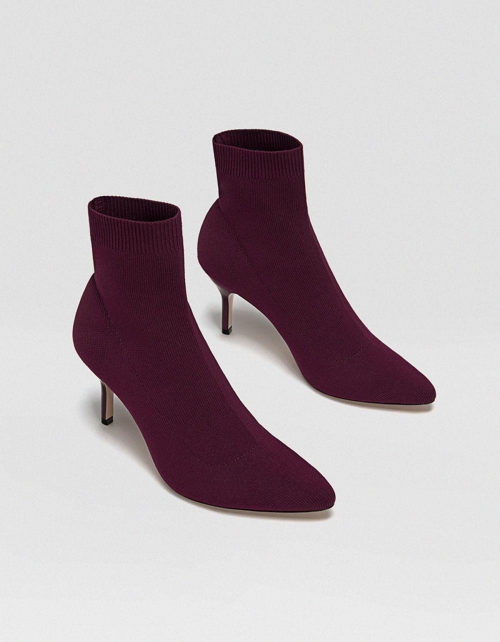 Sepatu yang Akan Buat Penampilanmu Makin Keren Saat ke Kampus