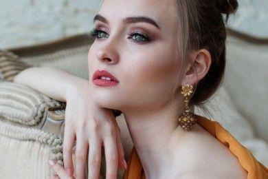 5 Cara Mencegah Infeksi Mata Walau Sering Menggunakan Makeup