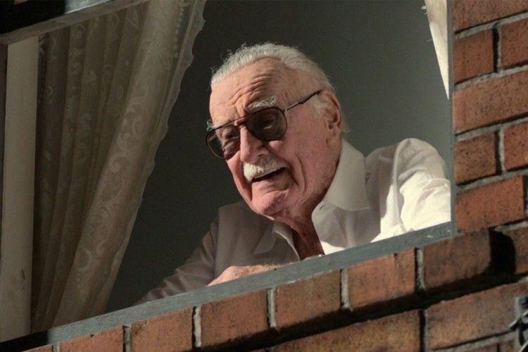11 Aksi Cameo Stan Lee di Film Marvel yang Bikin Penonton Tertawa
