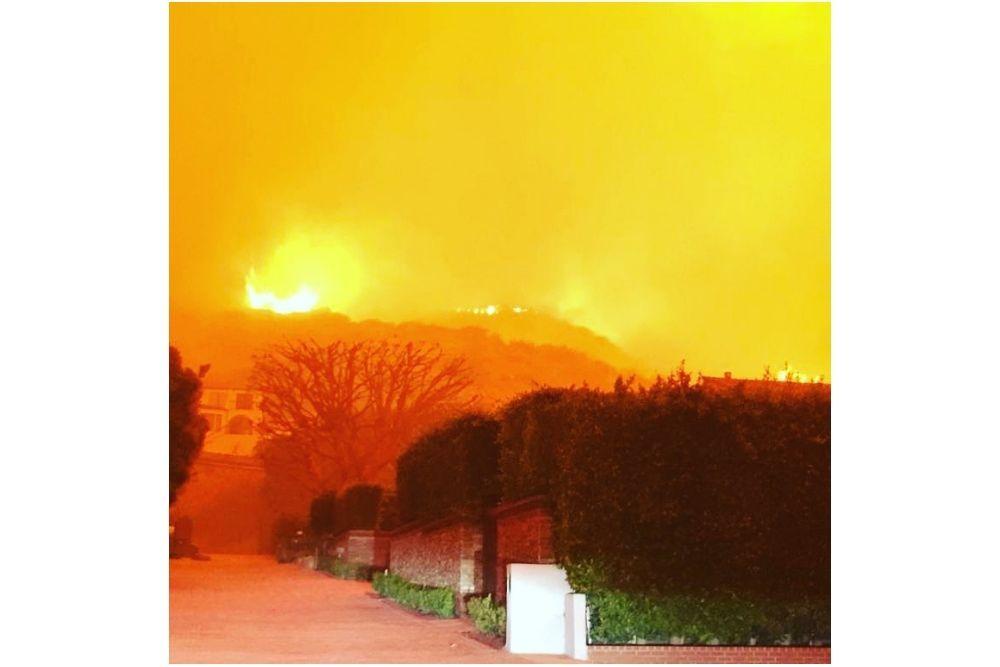 Kumpulan Foto Rumah Seleb Sebelum dan Sesudah Kebakaran Malibu