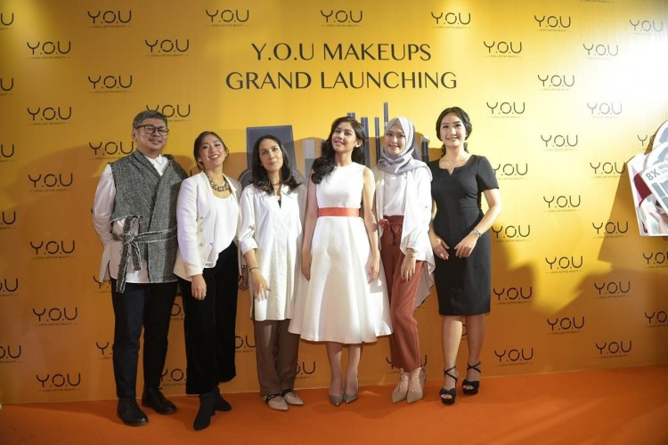 Kosmetik Lokal Ada yang Tahan Lama Nggak Sih? Y.O.U Makeups Jawabannya