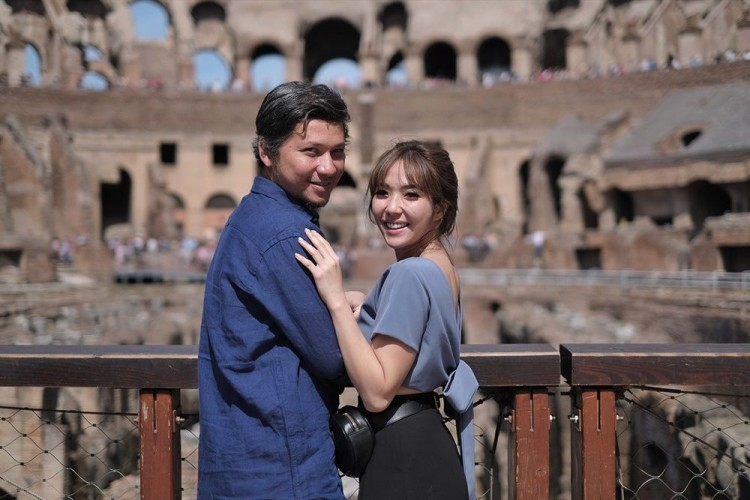 Terlihat Harmonis, 7 Pasangan Artis ini Pilih Cerai Secara Tiba-Tiba