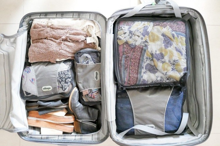 Biar Nggak Ribet, Berikut Tips Packing Buat One Bag Traveller