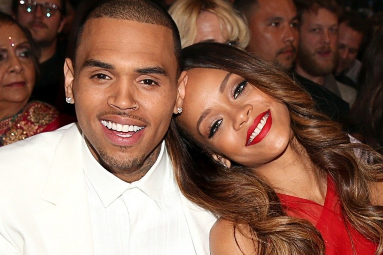 Beri Komentar di Instagram Rihanna, Chris Brown Diamuk Netizen