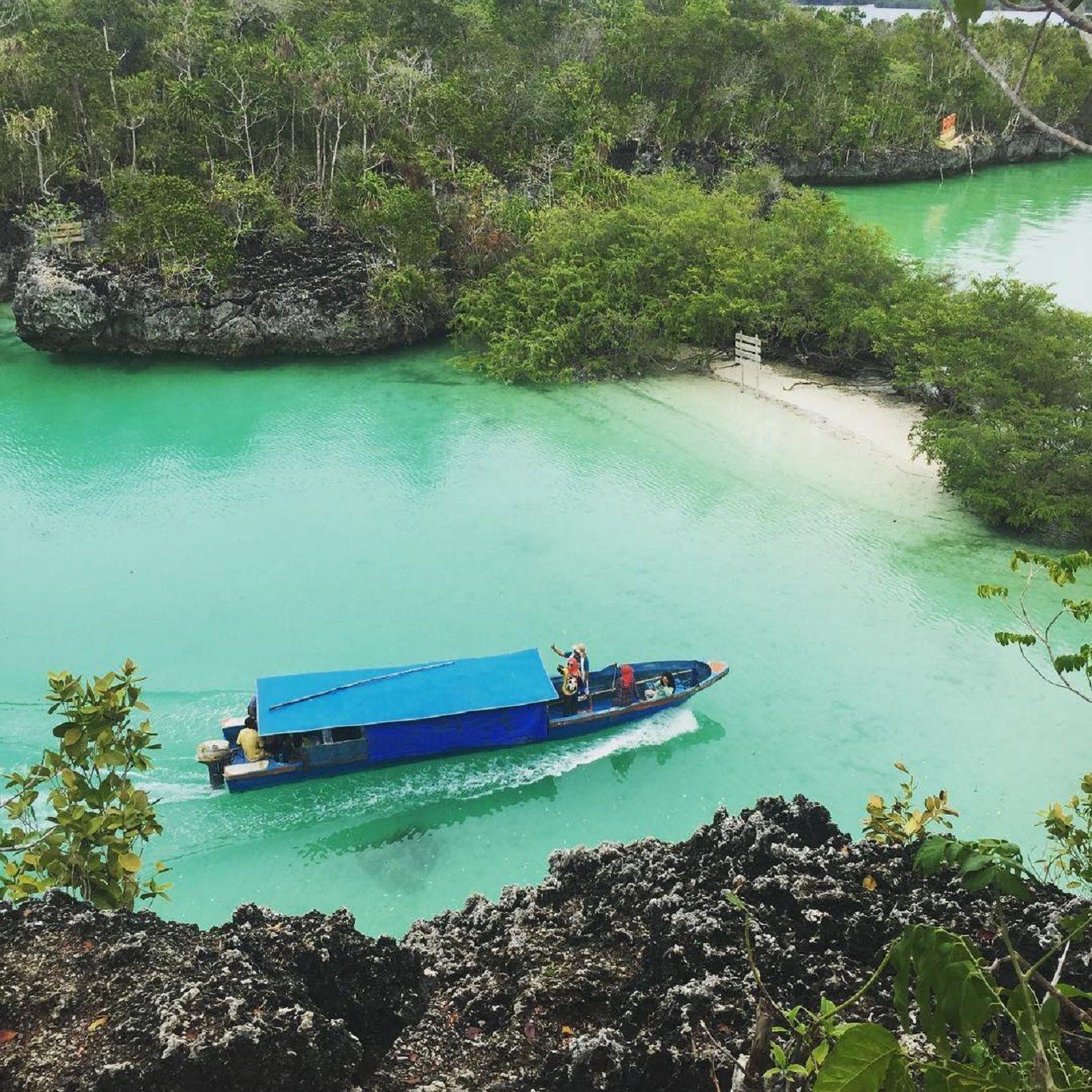 7 Surga Tropis Tersembunyi yang Wajib Kamu Datangi Saat di Maluku