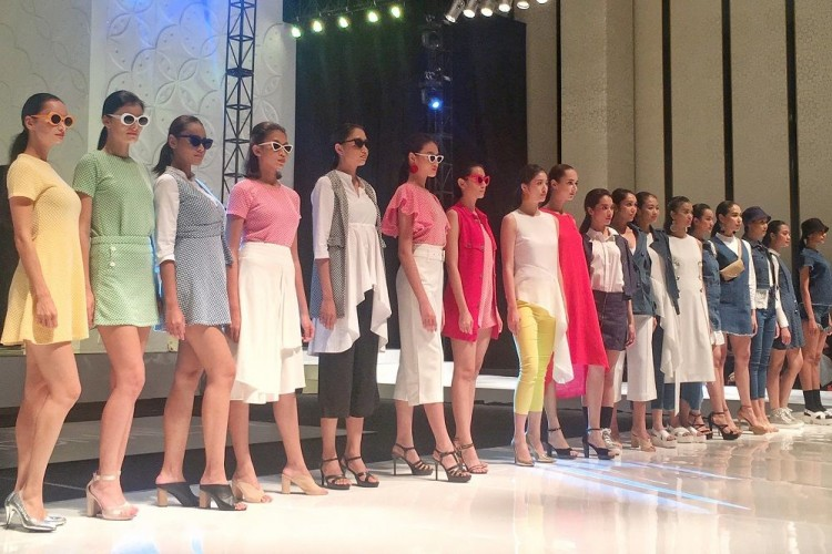 FASHIONality 2018: Carla Clothing Hadirkan 71 Busana yang Super Chic!