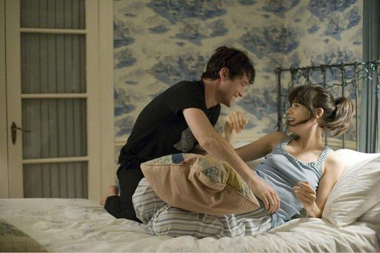 7 Film yang 'Ngena Banget' untuk yang Terjebak Friendzone, Awas Baper!