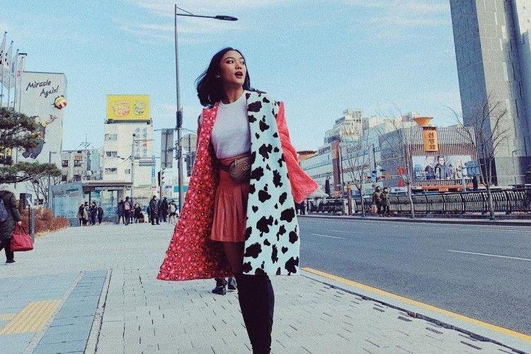 Hadiri MAMA 2018, Begini Tampilan Seksi Chic Marion Jola di Korea