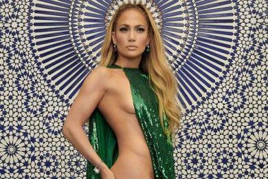 Nyaris Telanjang, Ini 10 Artis dengan Naked Dress Terpanas di 2018