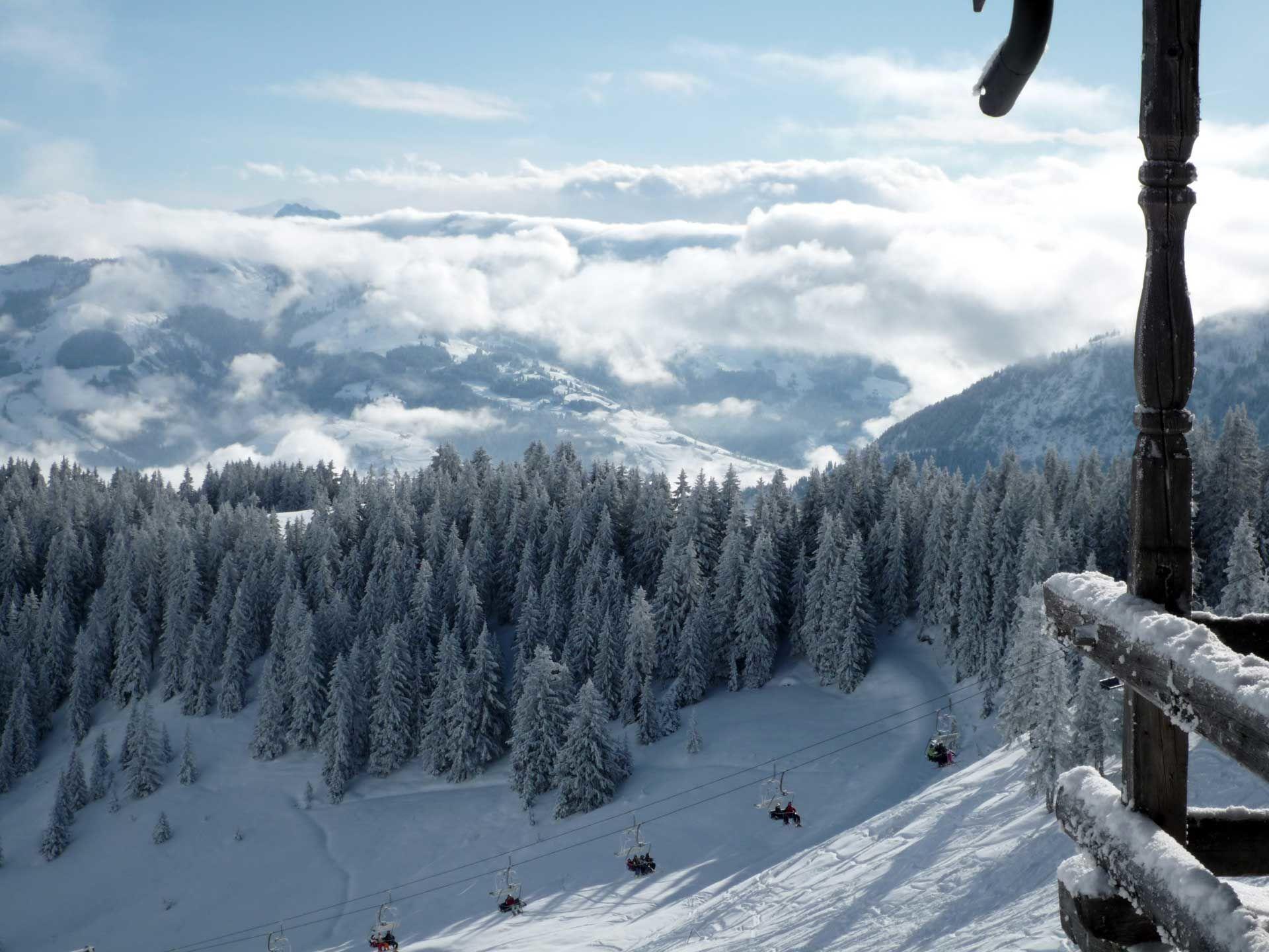 9 Negara Ini Jadi Destinasi Terbaik untuk Merasakan Wisata Musim Salju