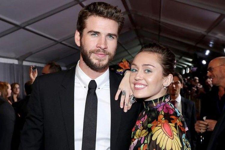 Sempat Bungkam, Akhirnya Miley Cyrus Unggah Foto Pernikahannya