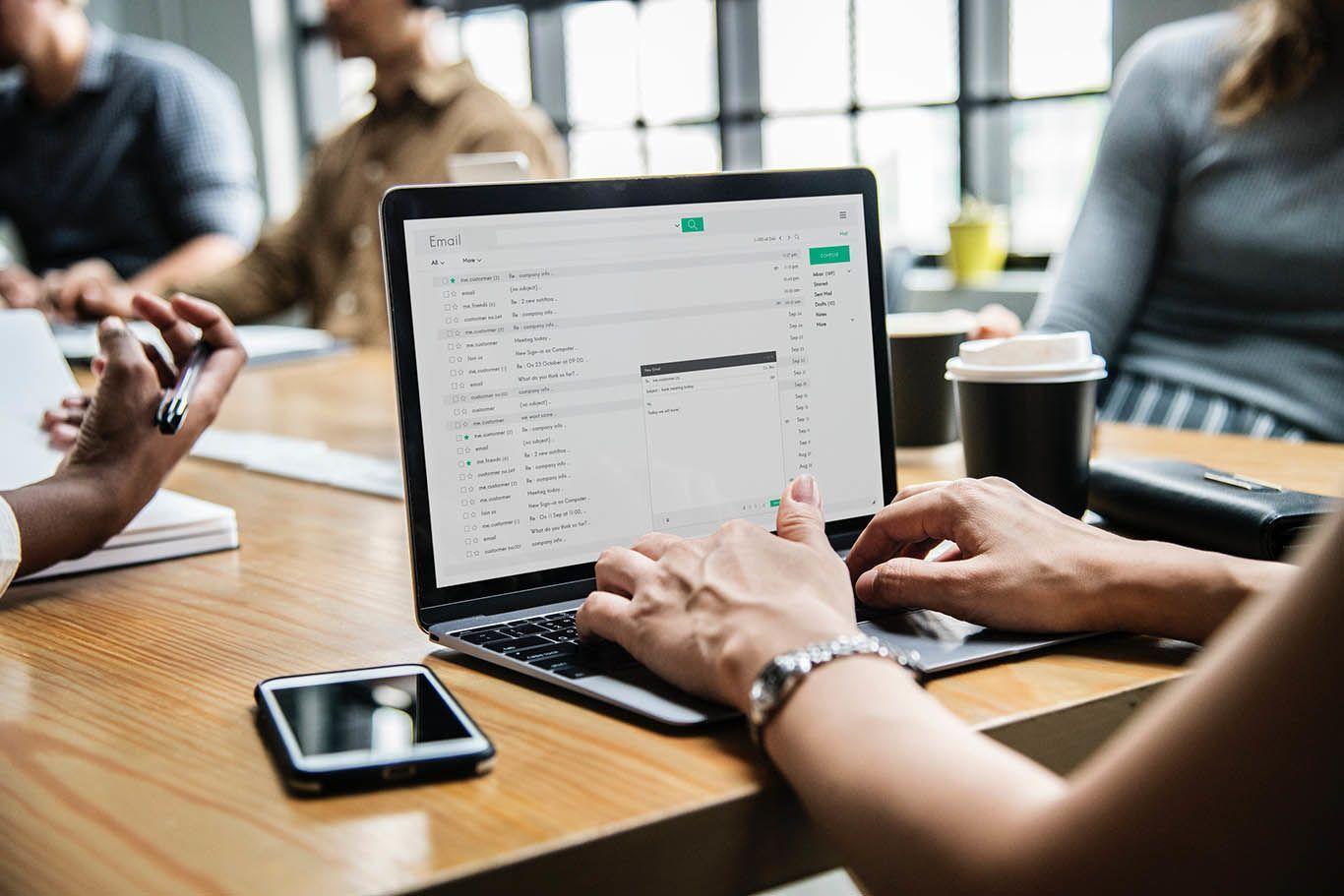 Follow Up Setelah Wawancara Kerja Dengan E-Mail Etis Enggak Sih?