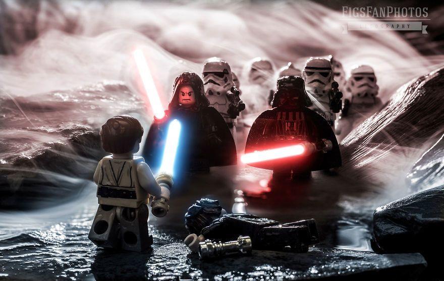 Fotografer Ini Sukses Berkreasi dengan Lego Jadi Foto yang Super Keren