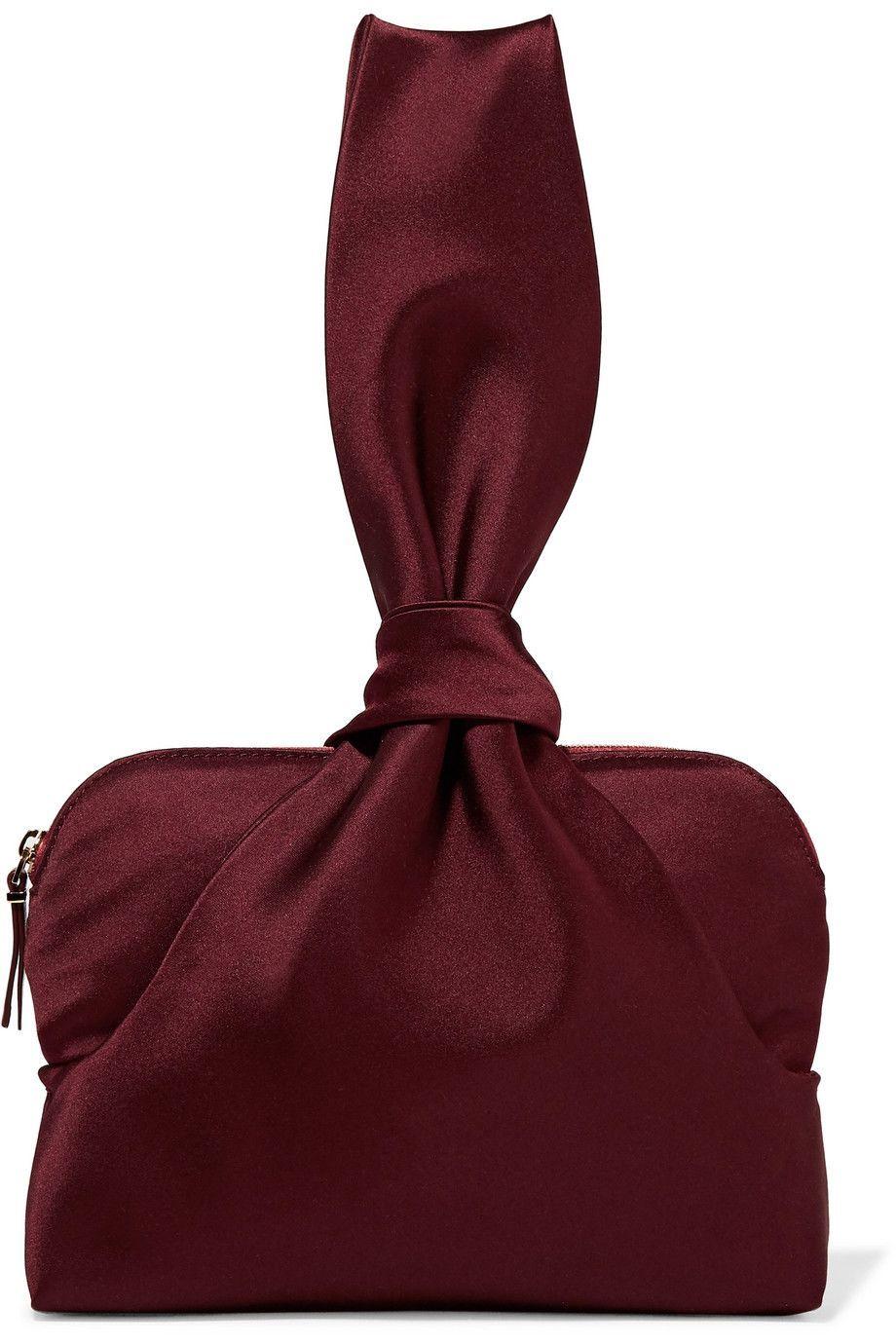 #PopbelaOOTD: Tas-tas Berdesain Unik yang Patut Kamu Tengok!