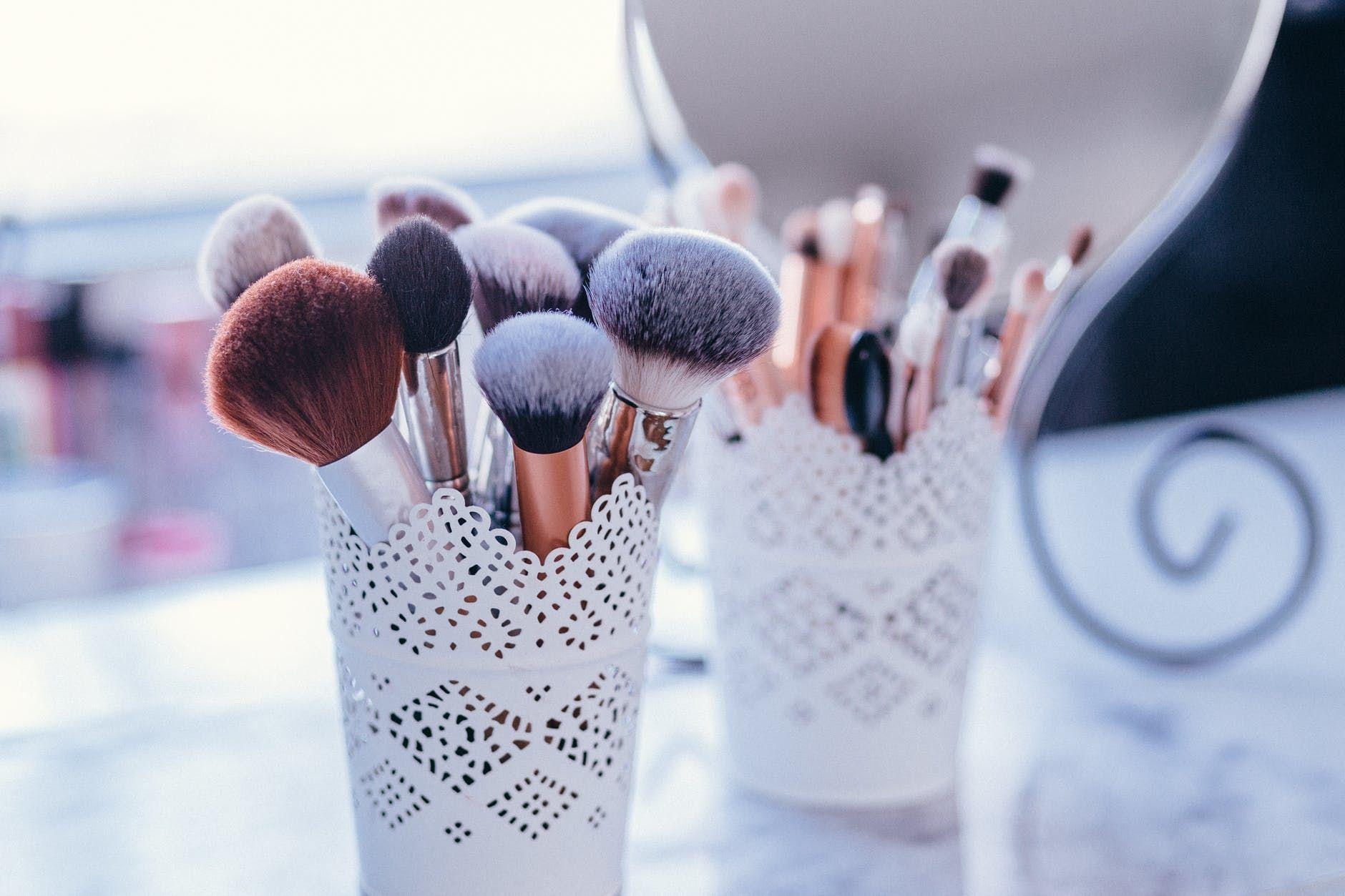 11 Kesalahan Makeup yang Paling Sering Dilakukan