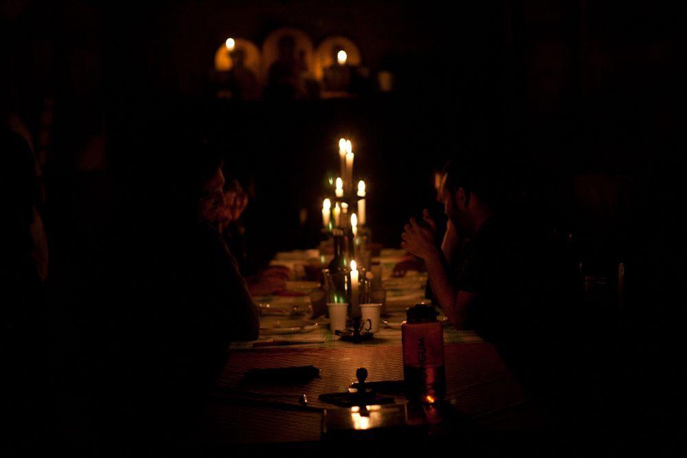 10 Tema Restoran dan Pelayanannya Ini Bikin Kamu Terheran-heran