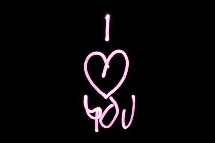 Inilah yang akan Terjadi jika Kamu Terlalu Sering Katakan I Love You