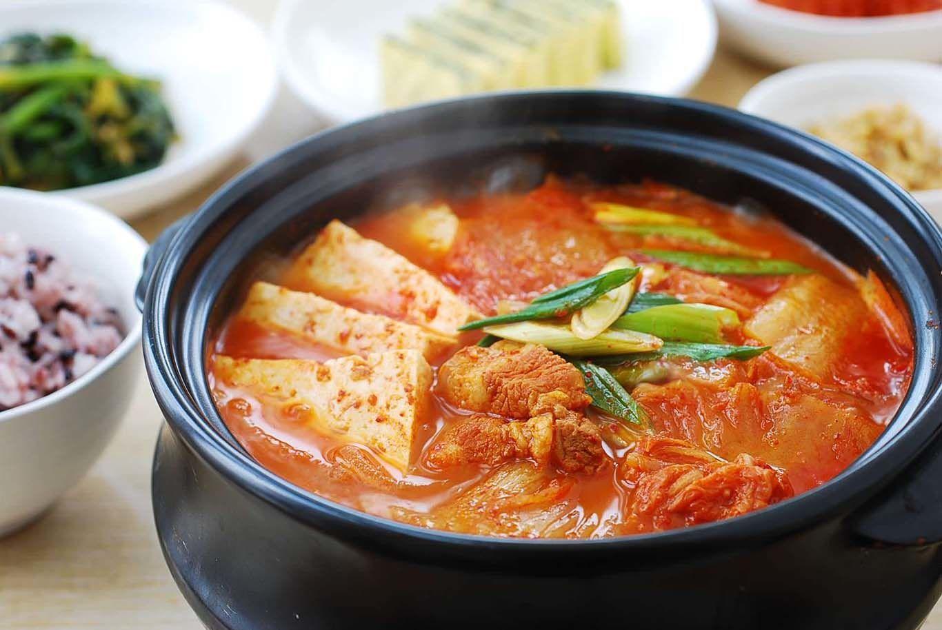 10 Makanan Korea Selatan yang Wajib Kamu Coba Sekali Seumur Hidup