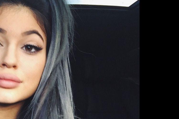 9 Warna Rambut Kylie Jenner yang Jadi Favorit Popbela