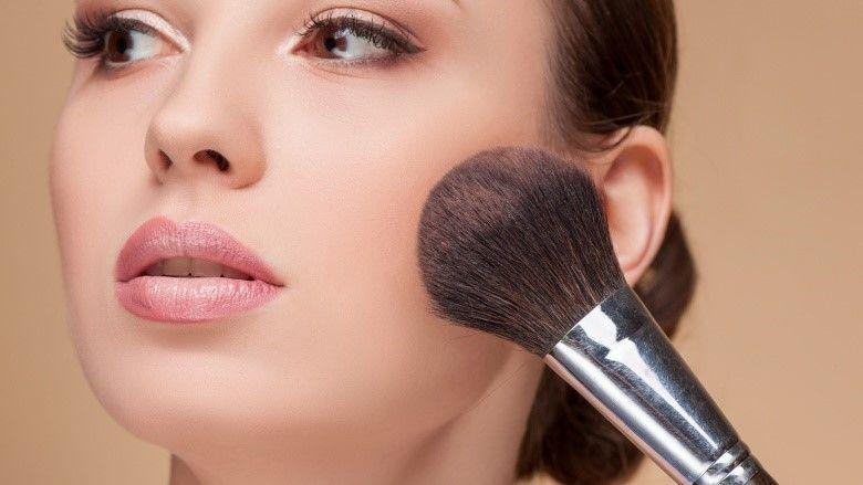 Untuk Kamu yang Pemula, 5 Alat Makeup Ini Wajib Kamu Miliki!
