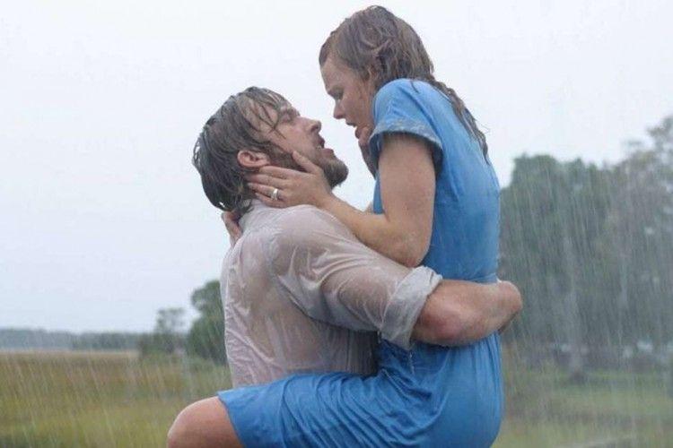 Cuma Ada di Film, 5 Adegan Romantis Ini Sebaiknya Nggak Kamu Tiru