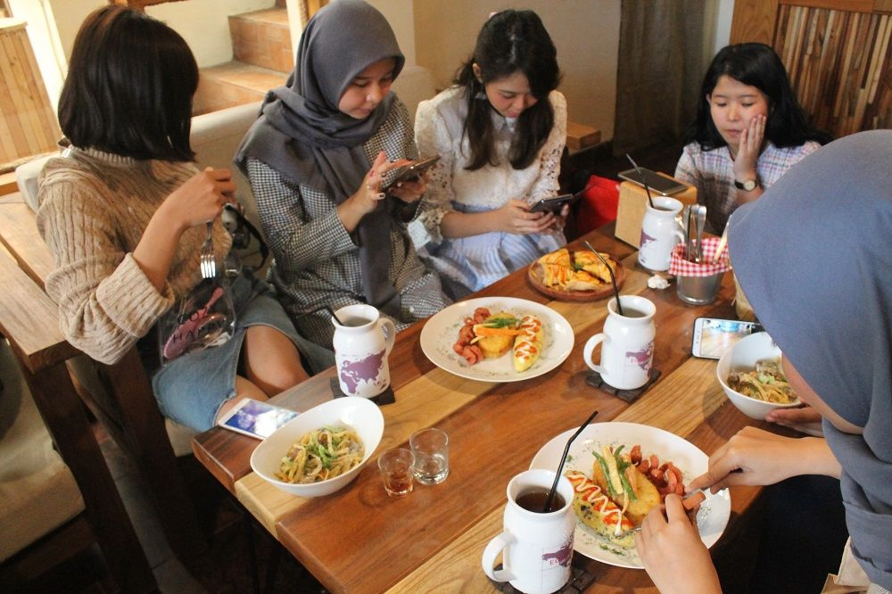 Serunya Review Makanan Bareng Popbela Community Di Bandung