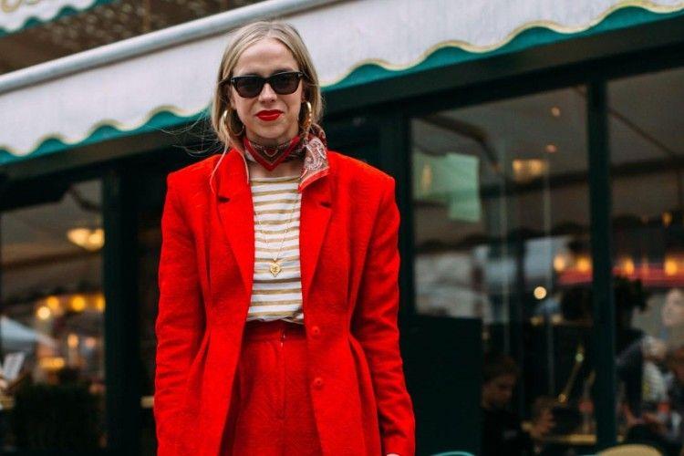 Ke Kantor Lebih Happy Saat Mengenakan Blazer Warna Cerah